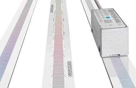 Encoder RESOLUTE UHV with RTLA scale in FASTRACK guides and with self-adhesive RTLA-S scale